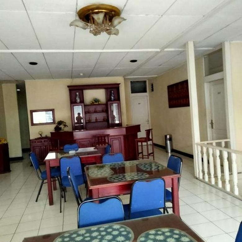 Hotel 18 kamar mainroad area talagabodas lodaya