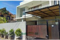 Sewa villa dekat sanur view sawah LT 150 m2