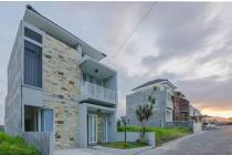 Rumah Berkonsep Vila Mewah di RATIMAYA Village Kota Batu