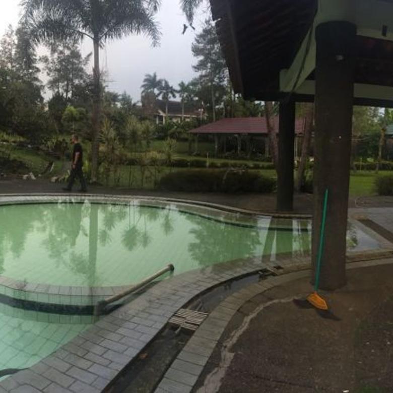 Dijual Butuh Uang Villa lokasi strategis di Jl. Cilember jogjogan Puncak