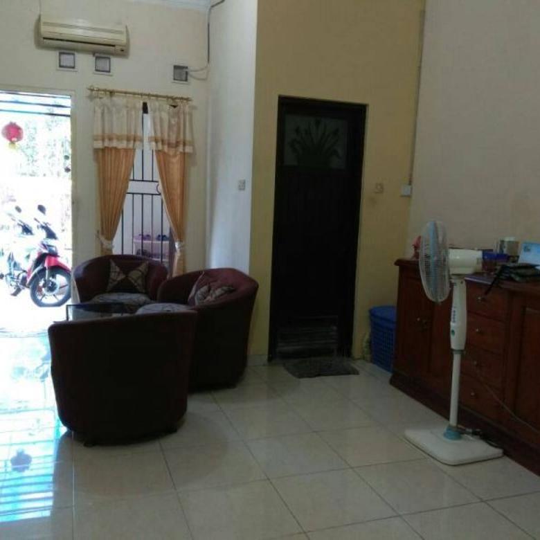 Rumah bagus bonus beberapa perabot di Purimas, Surabaya