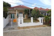 Rumah Dengan Halaman Luas Di Perumahan Villa Citra 2
