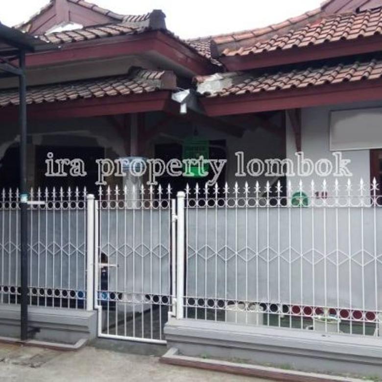 Rumah di kompleks perumahan Monjok