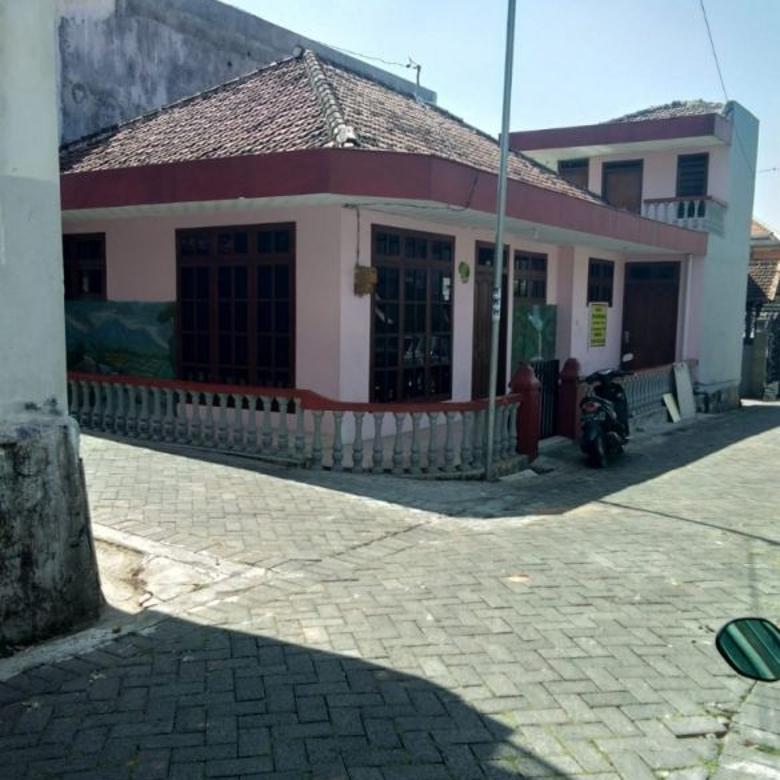 Rumah strategis dan murah murah di Jl. Dewi Sartika Batu