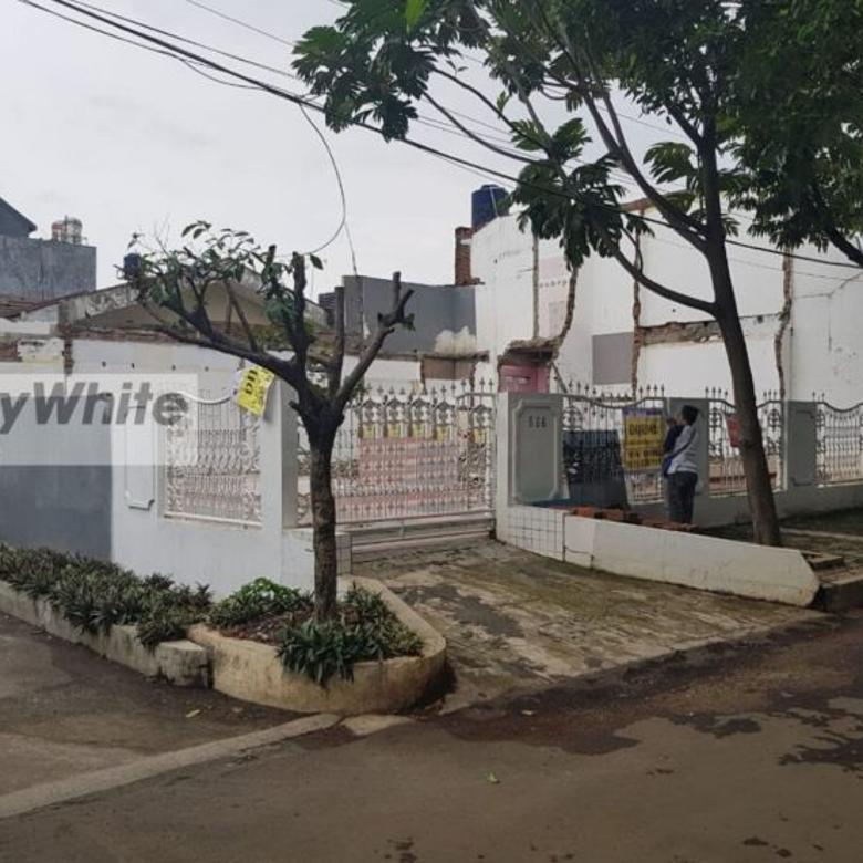 Tanah dengan Lokasi Bagus di Blok M, Cinere