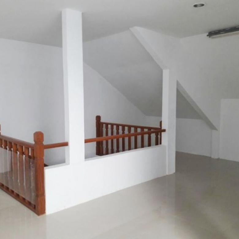rumah modern minimalis 4 kamar di pondok hijau