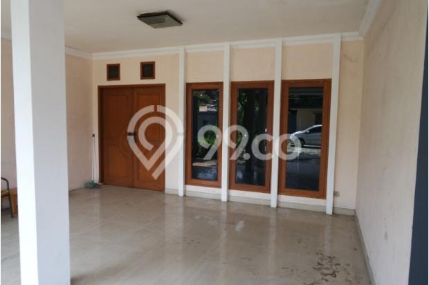 Dijual rumah dengan tanah dan parkiran luas di Pejaten 11926583