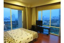The Best Price and the Best Unit 3BR+3bath Size 175sqm Semi gross/151sqm net in Senayan Residences, on the High Floor with its Amazing View Full to the Golf Course, Full Furnished and Very Clean (Ready to Move-in), Private Lift