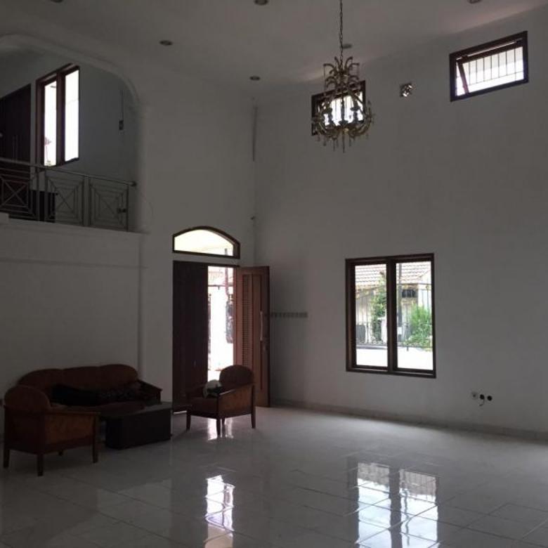 Dijual Rumah Strategis di Buah Batu, Bandung