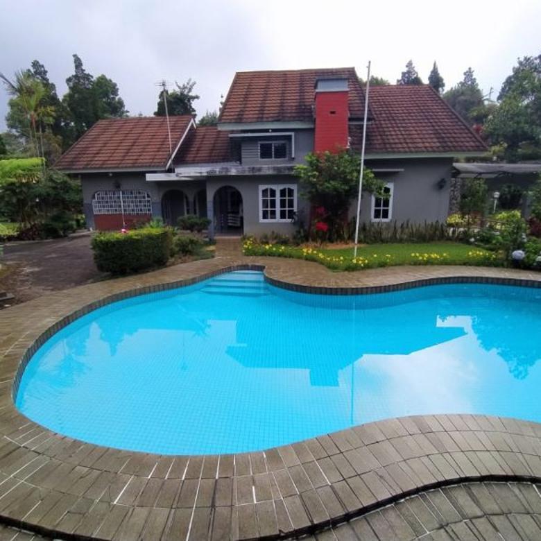 Rumah Villa Nyaman Luas, Pusat Kota Cipanas, Puncak, Cianjur