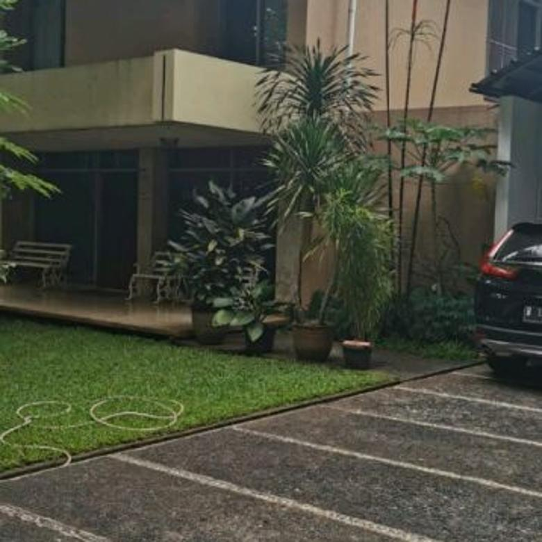 Dijual Rumah nyaman dan tenang Jalan Mataram Kebayoran Baru