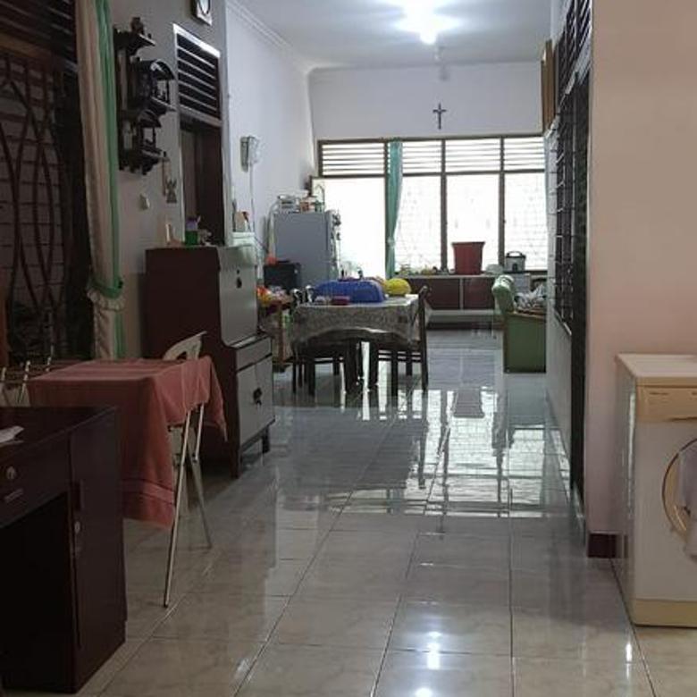 Rumah Tengah Kota Siap Tempati Di Jl. Anggrek, Semarang
