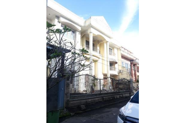 Rp11mily Vila Dijual