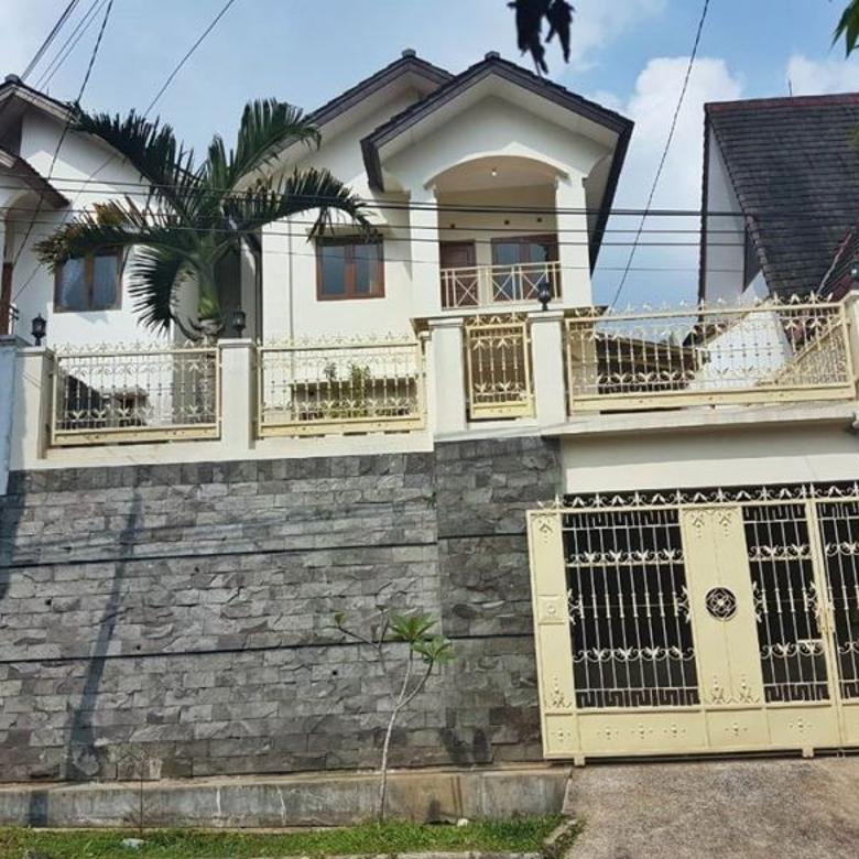 Rumah Lingkungan Elit Komp Setiabudhi Regency dekat Wisata Lem