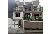 Disewa kost nyaman di Batureok Lembang Bandung