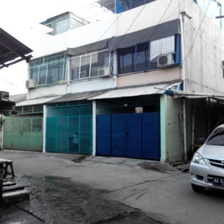 Dijual Rumah 3 lantai di Jelambar, Jakarta Barat