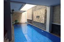 Rumah bagus ada swimm Pool di Perum Bermis Gading Kelapa Gading