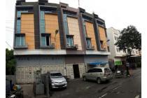 Ruko di Komplek Japaris Town House  ( Dekat Sutrisno )