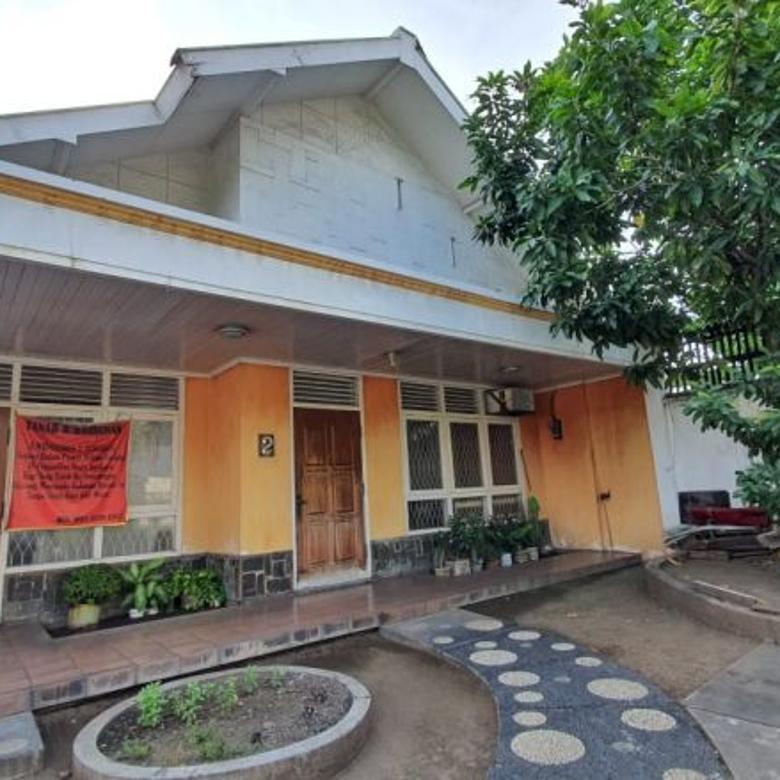Jual rumah di pusat kota surabaya JL. Widodaren