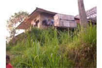 rumah SHM tanah 828 m2 Cikahuripan Lembang