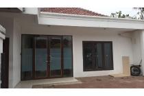 Rumah murah di pinggir jalan ramai, di Nusaloka BSD
