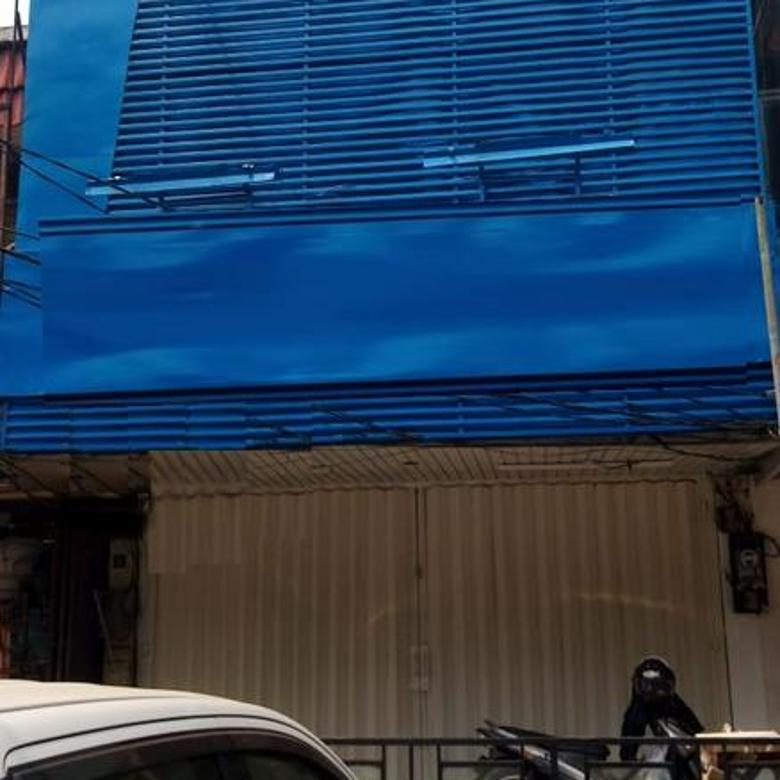 Ruko 2 Lantai Boulevard, Kelapa Gading Permai, Jakarta Utara.