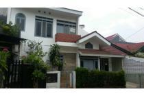 Dijual Rumah cantik di Nusaloka (El/Rn)