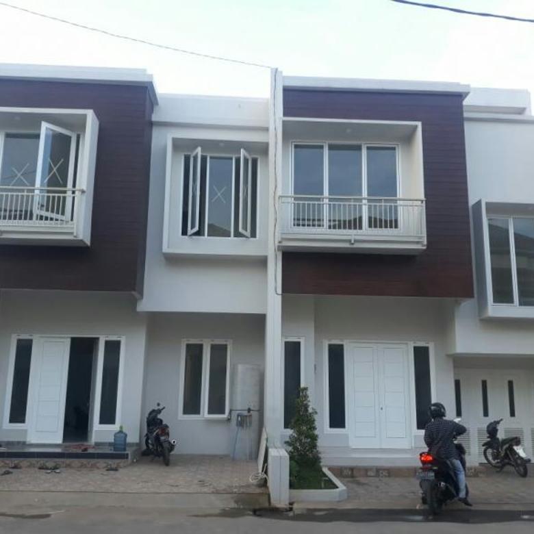 TOWN HOUSE  DI JAGAKARSA