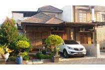 Rumah Modern Dalam Perumahan Dekat Pasar Ngipik, LT 100 m2