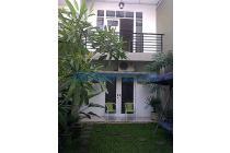 Rumah Gaya Bali, pinggir jalan JAKASETIA-GALAXY dijual - Bekasi