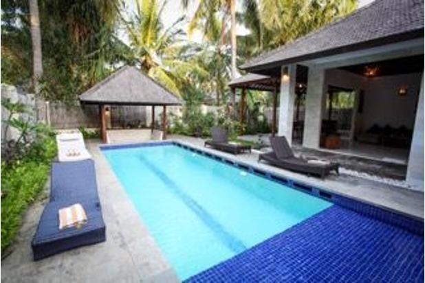 villa with private pool in gili trawangan