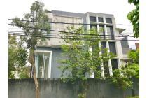 Rumah Minimalis di Sektor 9 Bintaro Jaya, Tangeranf Selatan