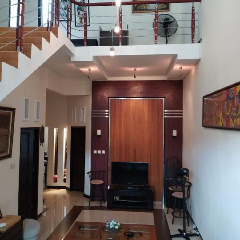 Dijual Rumah Lux,2 Lantai, Rungkut Asri, Selangkah ke Merr.