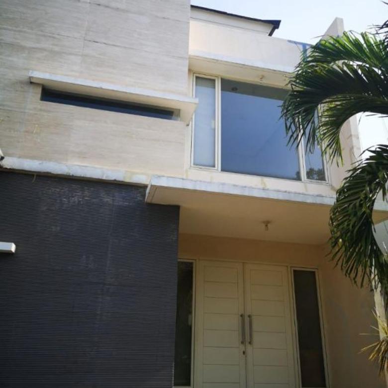 Rumah The Mansion Pakuwon Indah