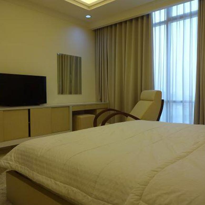 Apartemen Botanica Simprug 2+1BR uk 195m2 Siap Huni Best Price Furnished at Keb Lama, Jakarta Selatan
