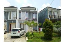 dijual Rumah 2 lt semi hook di Grand depok city dekat stasiun depok lama