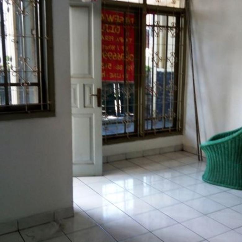 Rumah 2 lantai hook sayap Bkr Buahbatu Bandung