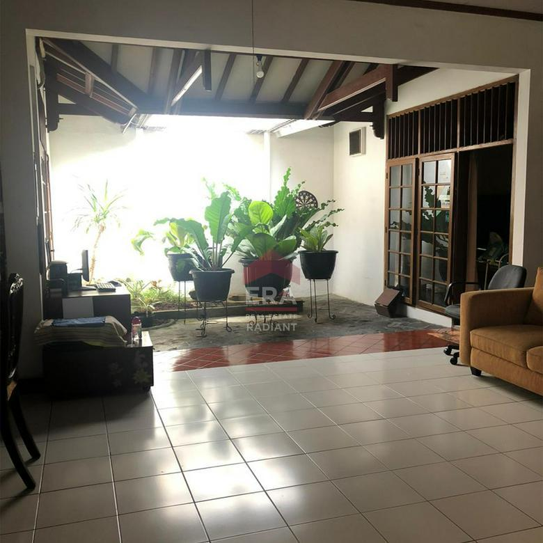 Rumah lama Delman Asri - Tanah Kusir Jakarta Selatan