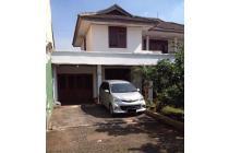 Rumah murah luas tanah 545 m2 di jln SETIA Jatiwaringin