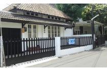 Dijual rumah jl braga/lembong lokasi pusat kota bangunan antik