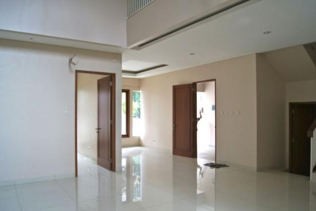 Rumah Baru 2 Lantai, SHM di SRENGSENG SAWAH, Jagakarsa 14371409