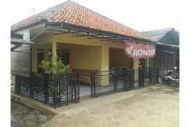 Rumah Strategis Pinggir Jalan Raya Di Cipeundeuy .