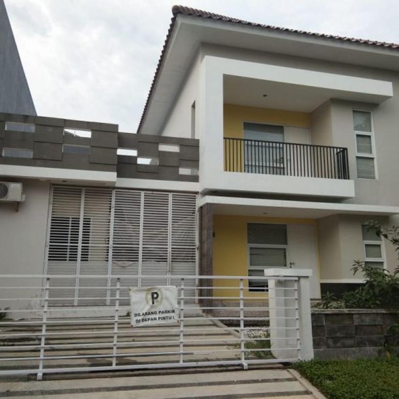 Rumah Laris Hook 2 lantai di Pakuwon city, lingkungan super nyaman dan asri