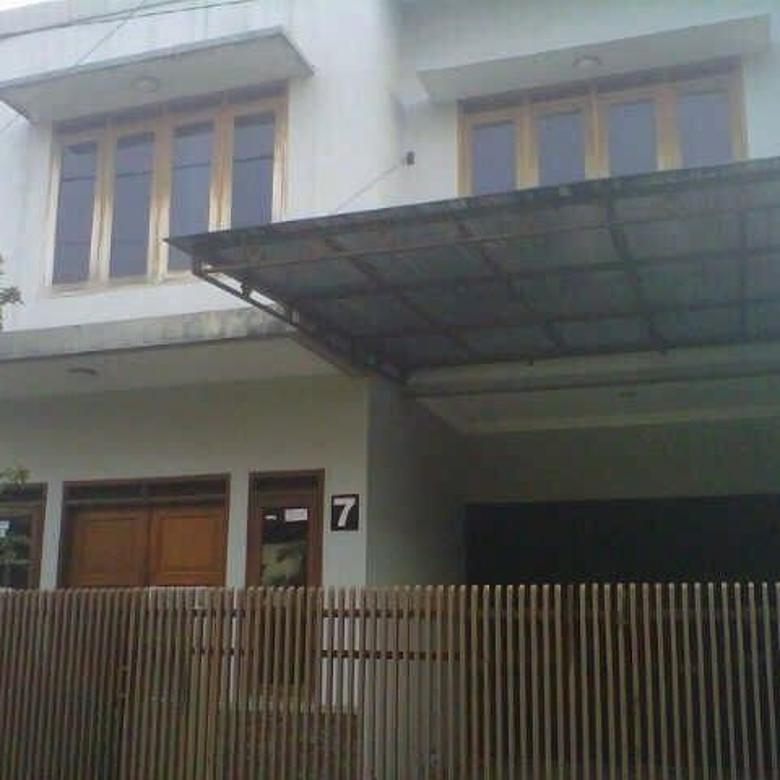 rumah 2 lantai semi furnish dekat ke griya yogya antapani