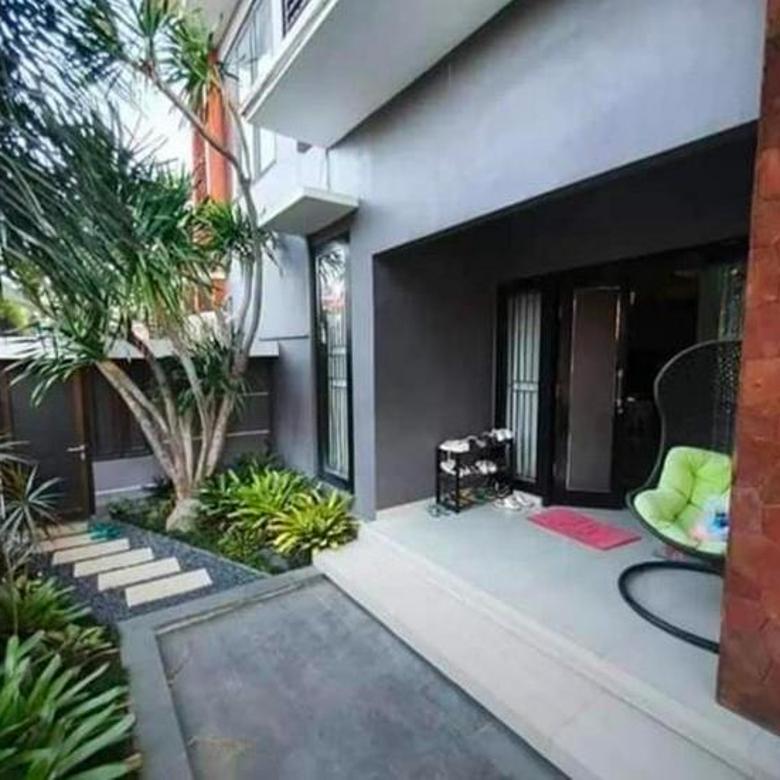 5KT & 5KM rumah . Lokasi di Kebo Iwa Denpasar