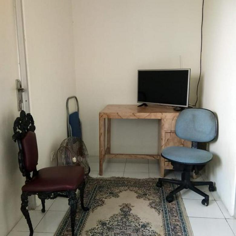 Apartment semi furnished 2 br