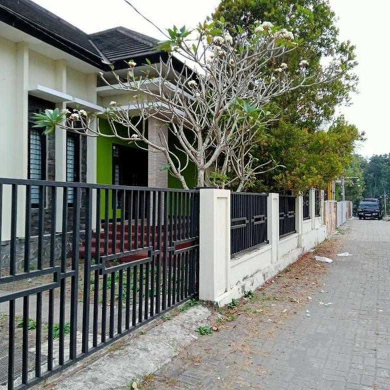 Rumah CANTIK MINIMALIS MEWAH - Harga EKONOMIS di Jalan Kaliurang km 13 Ngaglik Sleman