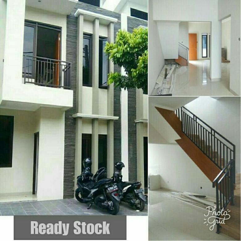 Rumah 2 Lantai Siap Huni Mainroad di Arcamanik Harga Selantai,PROMO