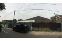 Dijual Rumah Tua Hitung Tanah di Jl. bangka