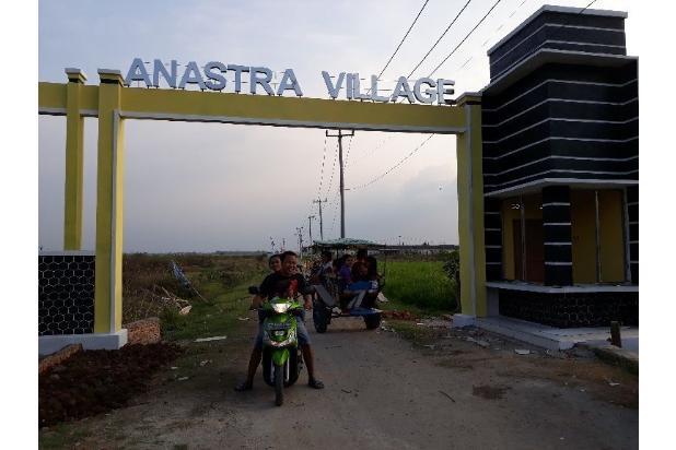 Gerbang Utama 50 Meter Dari Jalan Propinsi Yang Menghubungkan Bekasi Kota Dengan Bekasi Kabupaten  13697709